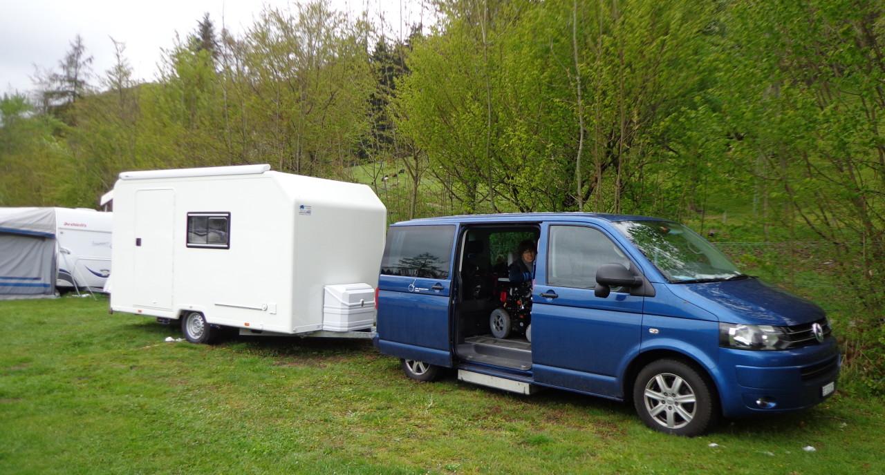 Simone Leuenberger fährt einen umgebauten Van und kann so selbständig in die Ferien Fahren.