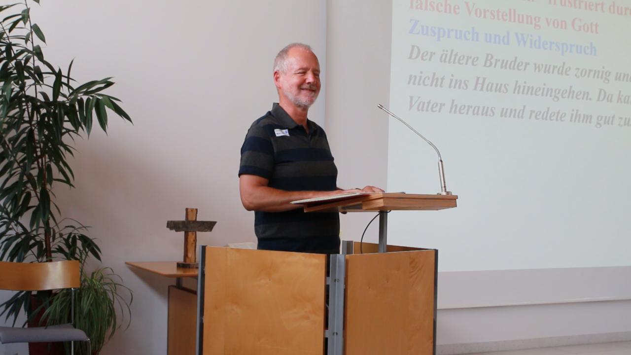 Christoph Marti bei einer seiner Andachten